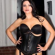 Mistress Lauren Escort