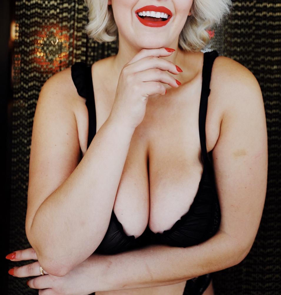 Scarlett Lee