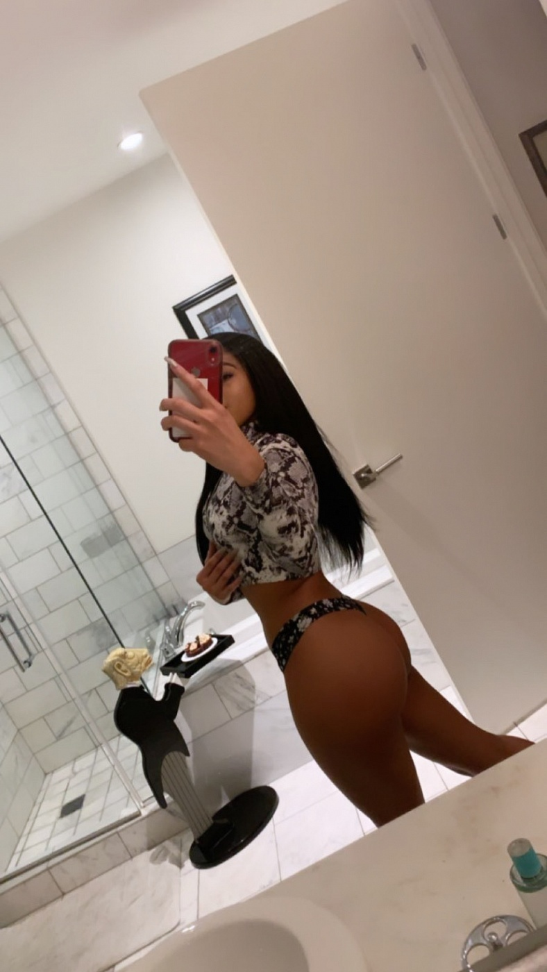 Honey Naomi
