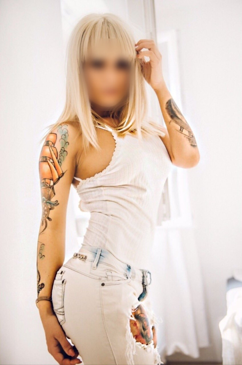 Chloe Charon