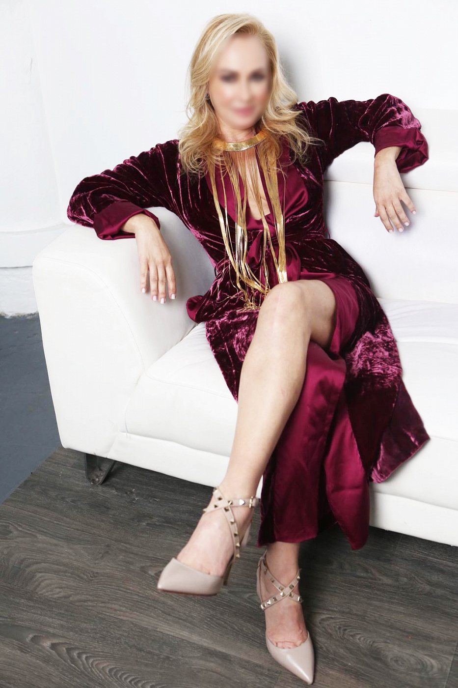 Mature Alexandra Moore