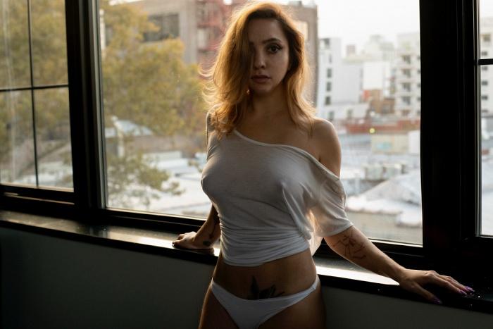 Alluring Alana White