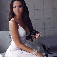 Adrianna Escort