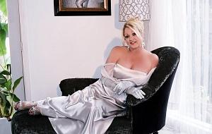 Sonia Styles Escort