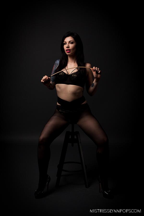 Mistress Lynn Pops