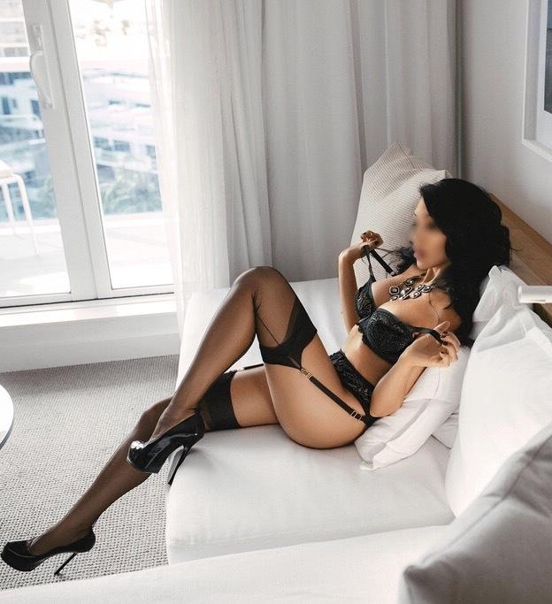 Adriana Carat