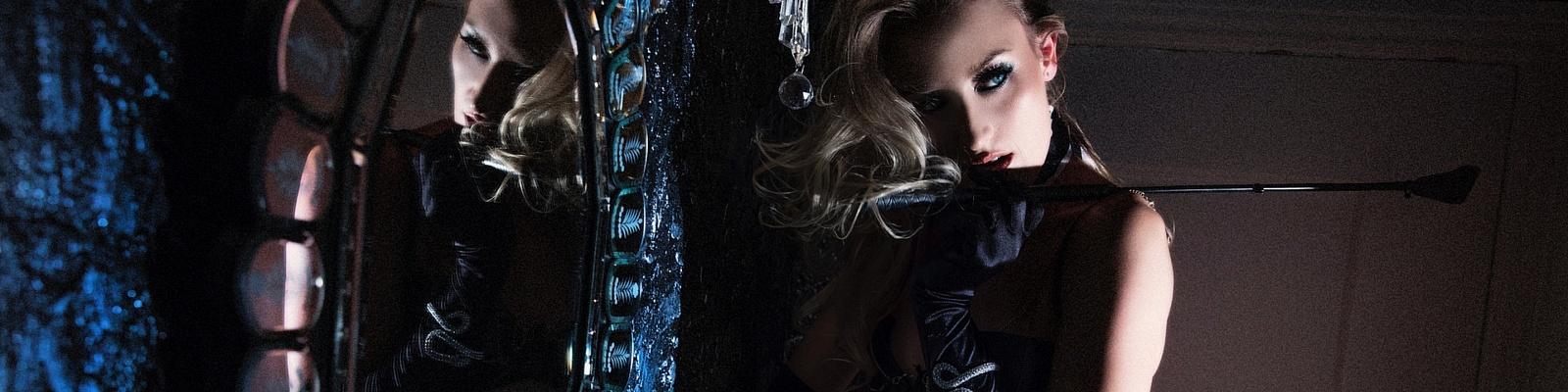 Elle Zelena's Cover Photo