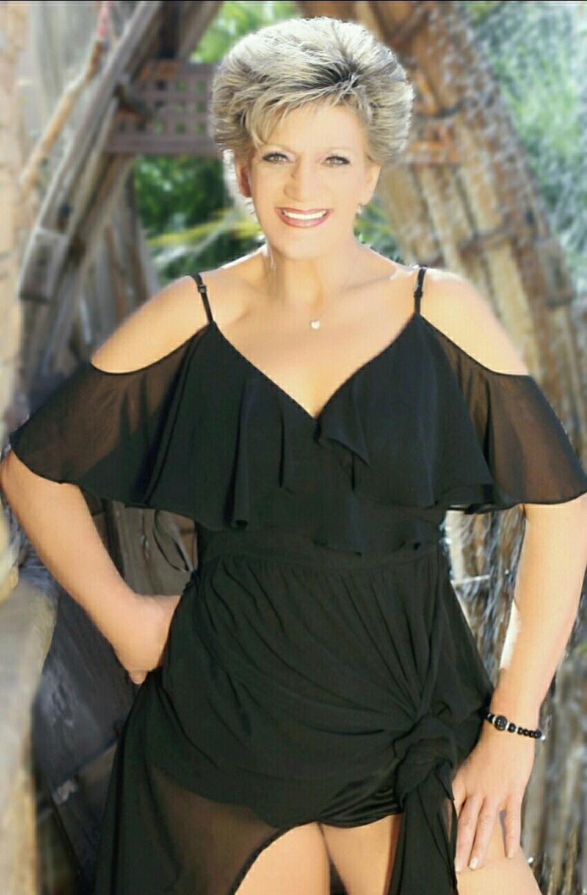 Roxanne Lane