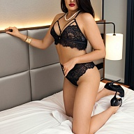 Valeria West Escort
