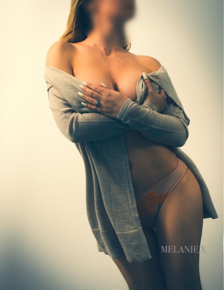 Melanie X