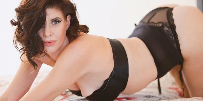 Bella Love's Cover Photo