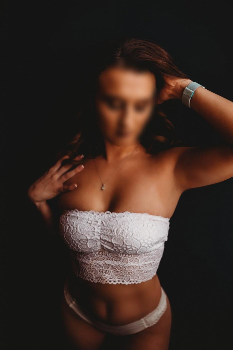 Ava Michelle