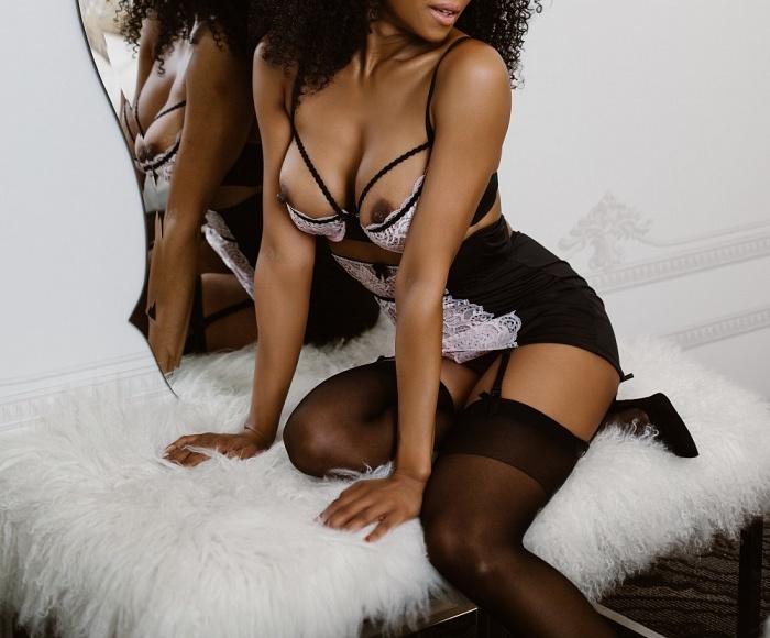 Naomi Carlysle
