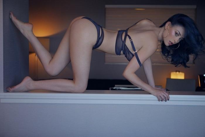 Model Eve