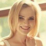 Julia Escort