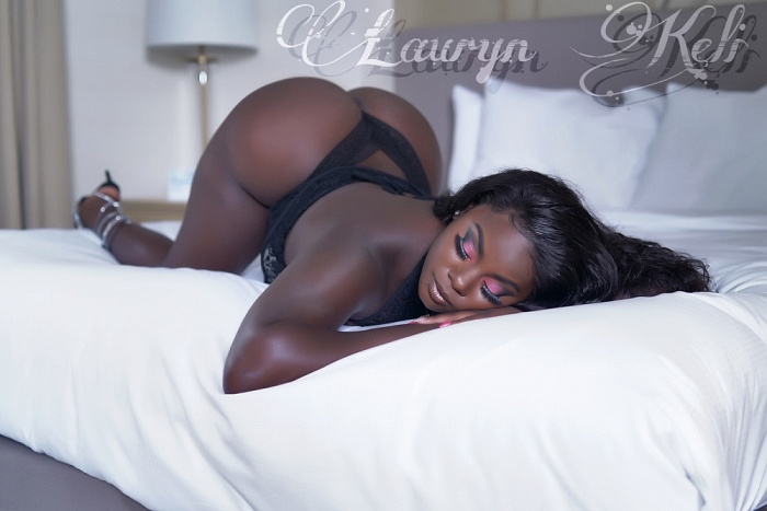 Enticing Lauryn Keli
