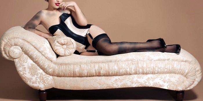 Ellia Ricci's Cover Photo