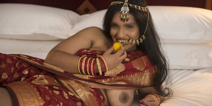 Jasmine Praveena's Cover Photo