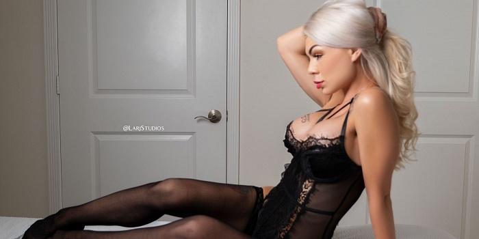 MelanieMonroeVip's Cover Photo