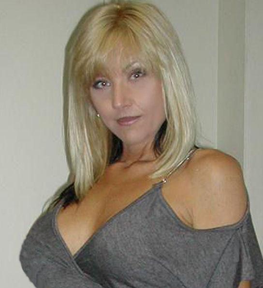 Nikki Starr