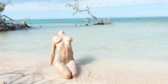 Raina Roark's Cover Photo