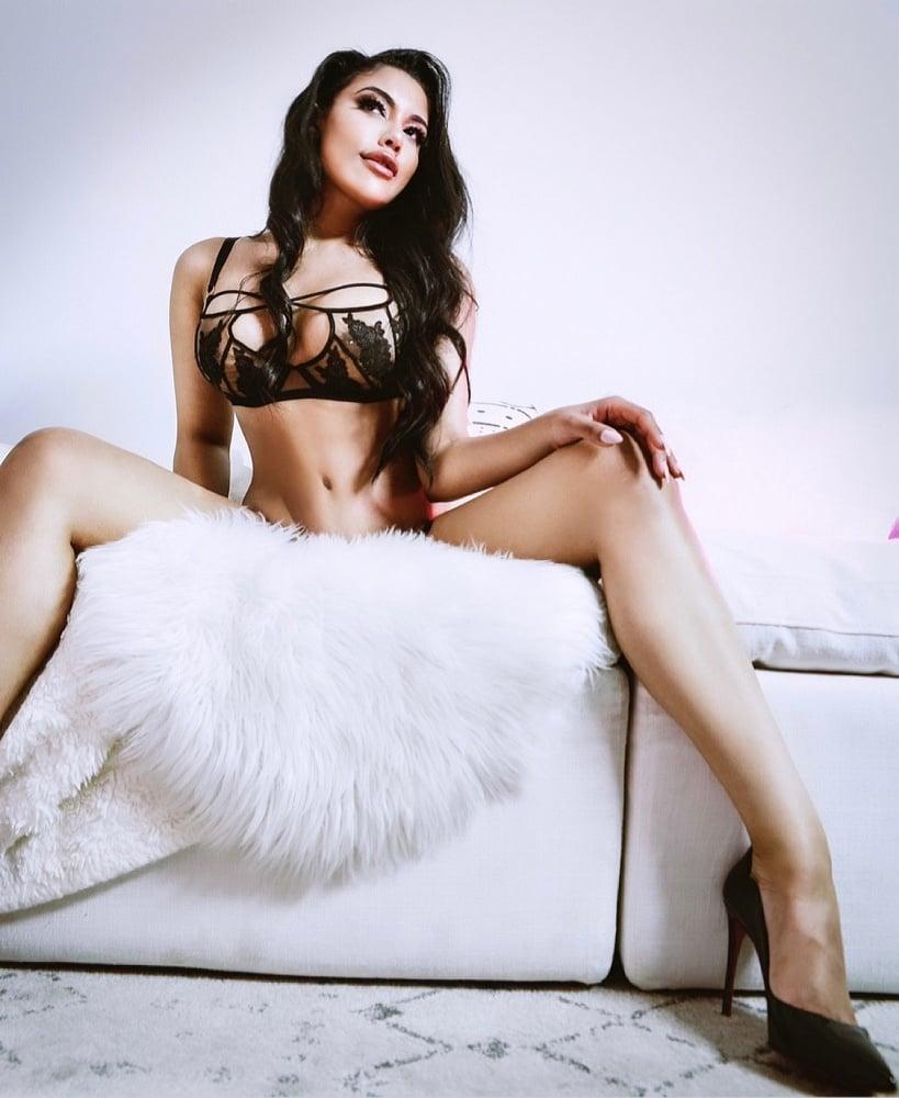 Scarlett Louise