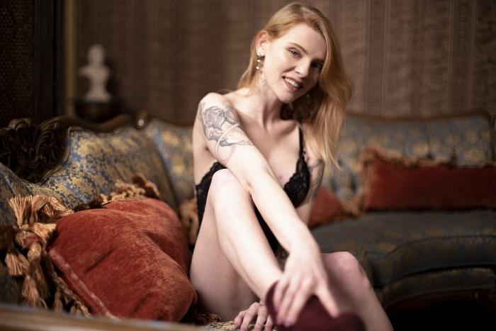 PORN STAR Nora Ivy