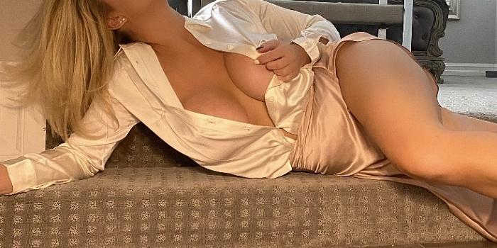 Sonia Blue's Cover Photo