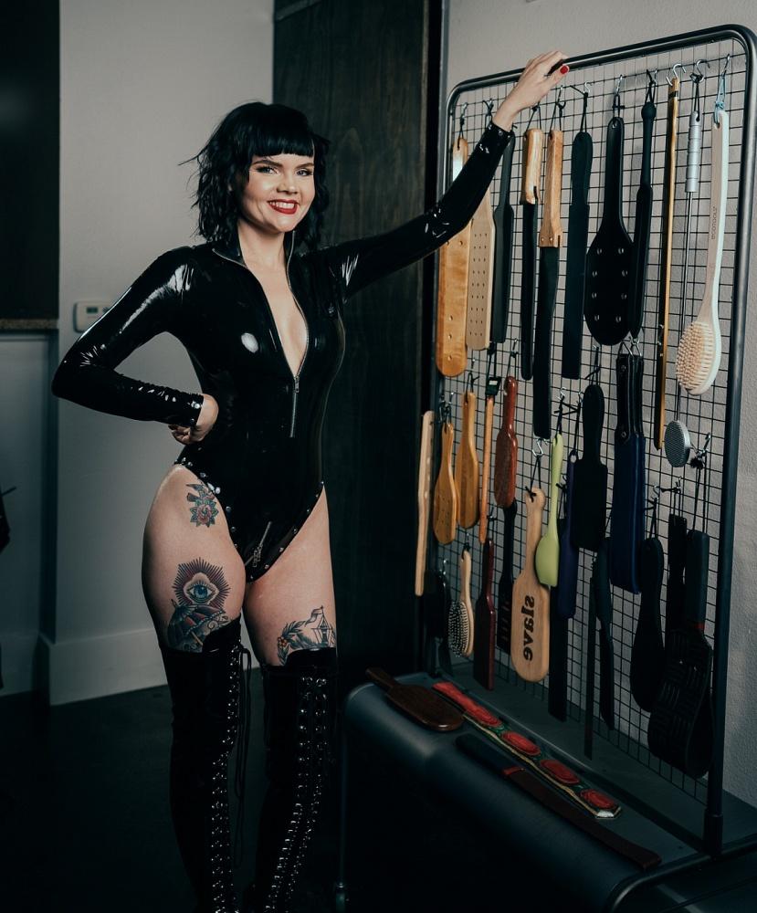 Mistress Petra Hunter