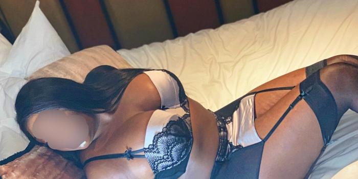 Cassie Dos Santos's Cover Photo