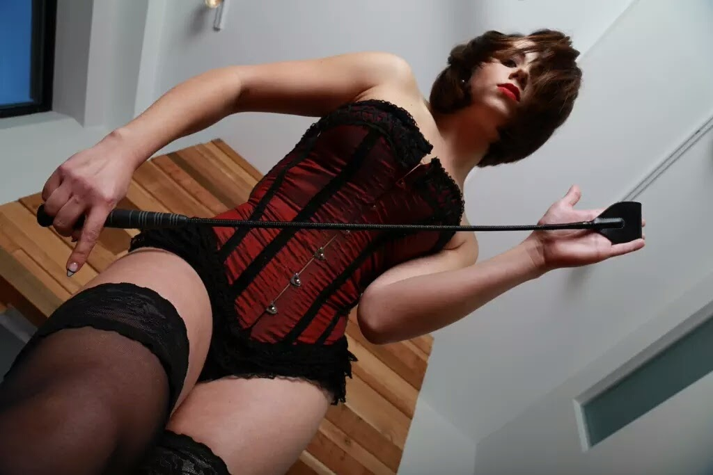 Mistress Lila Wolfe
