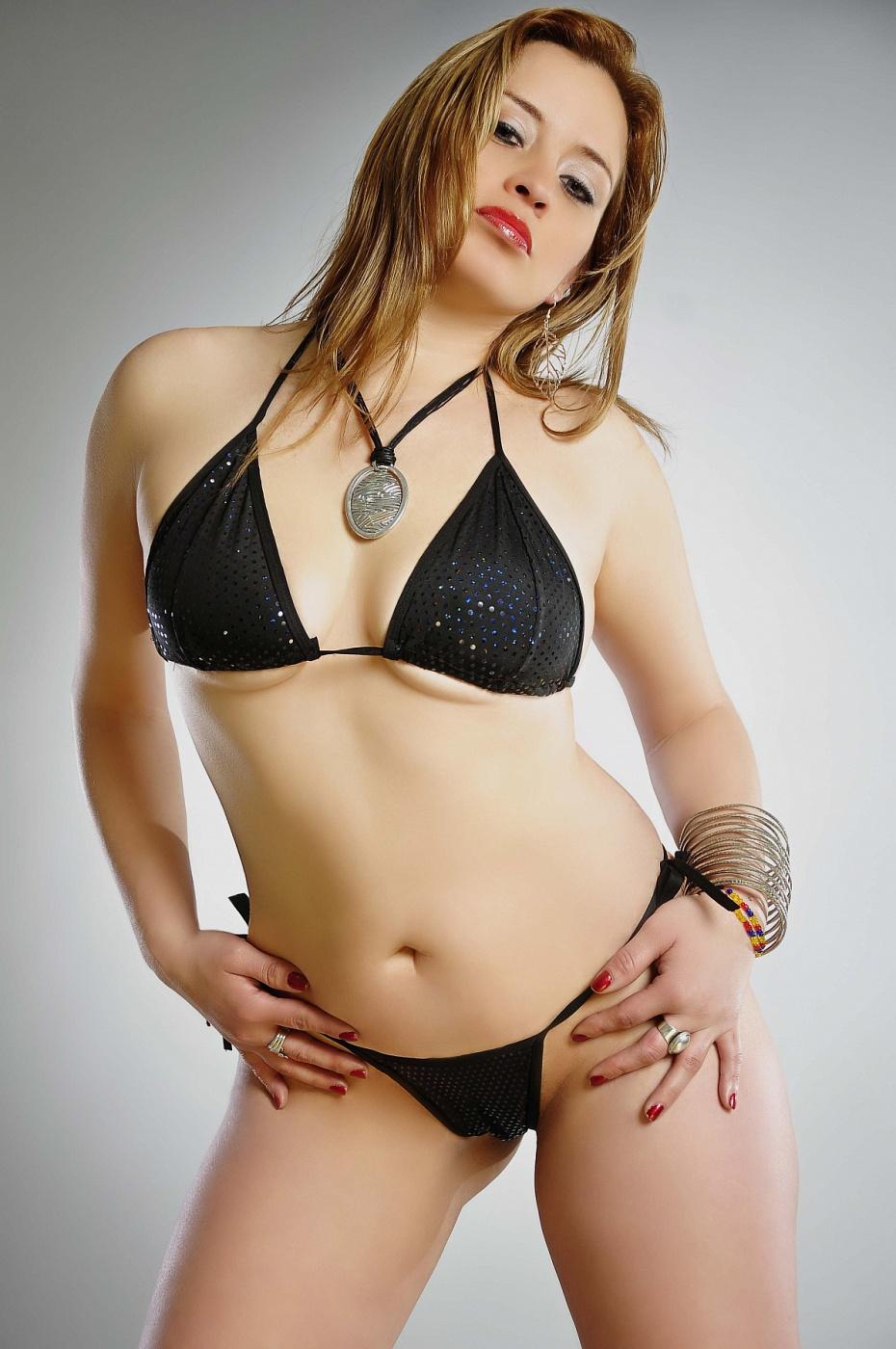 MATURE Gabriela Luna. COLOMBIANA