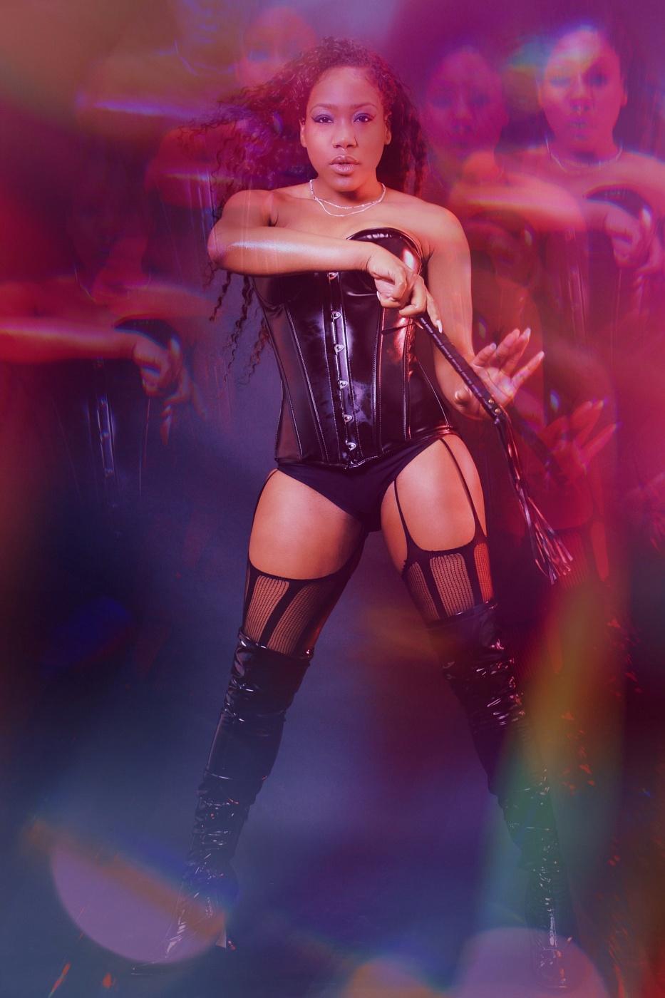 Mistress Nicky Valentine
