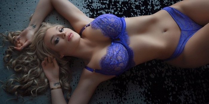 Lindsey Renè's Cover Photo