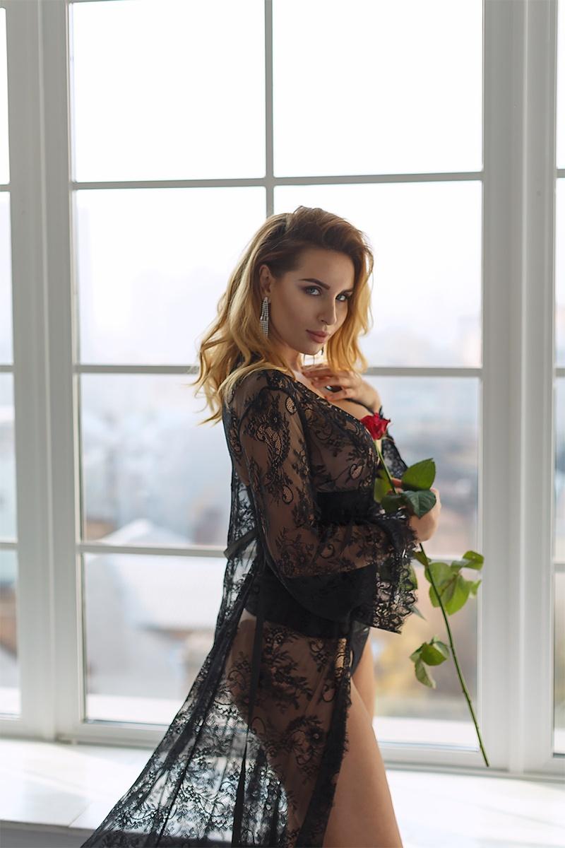 Diana Adore
