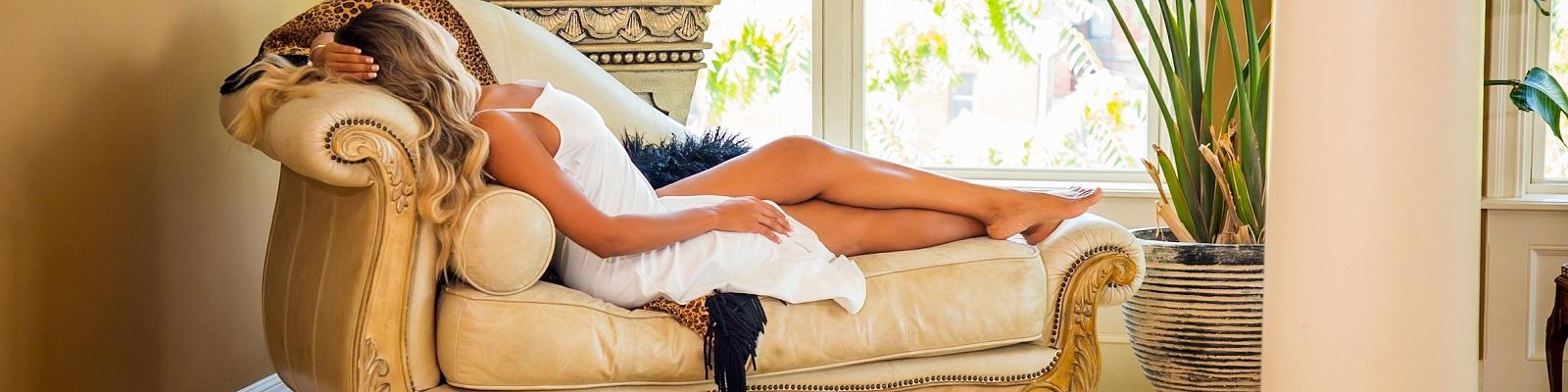 Sienna Summer Escort