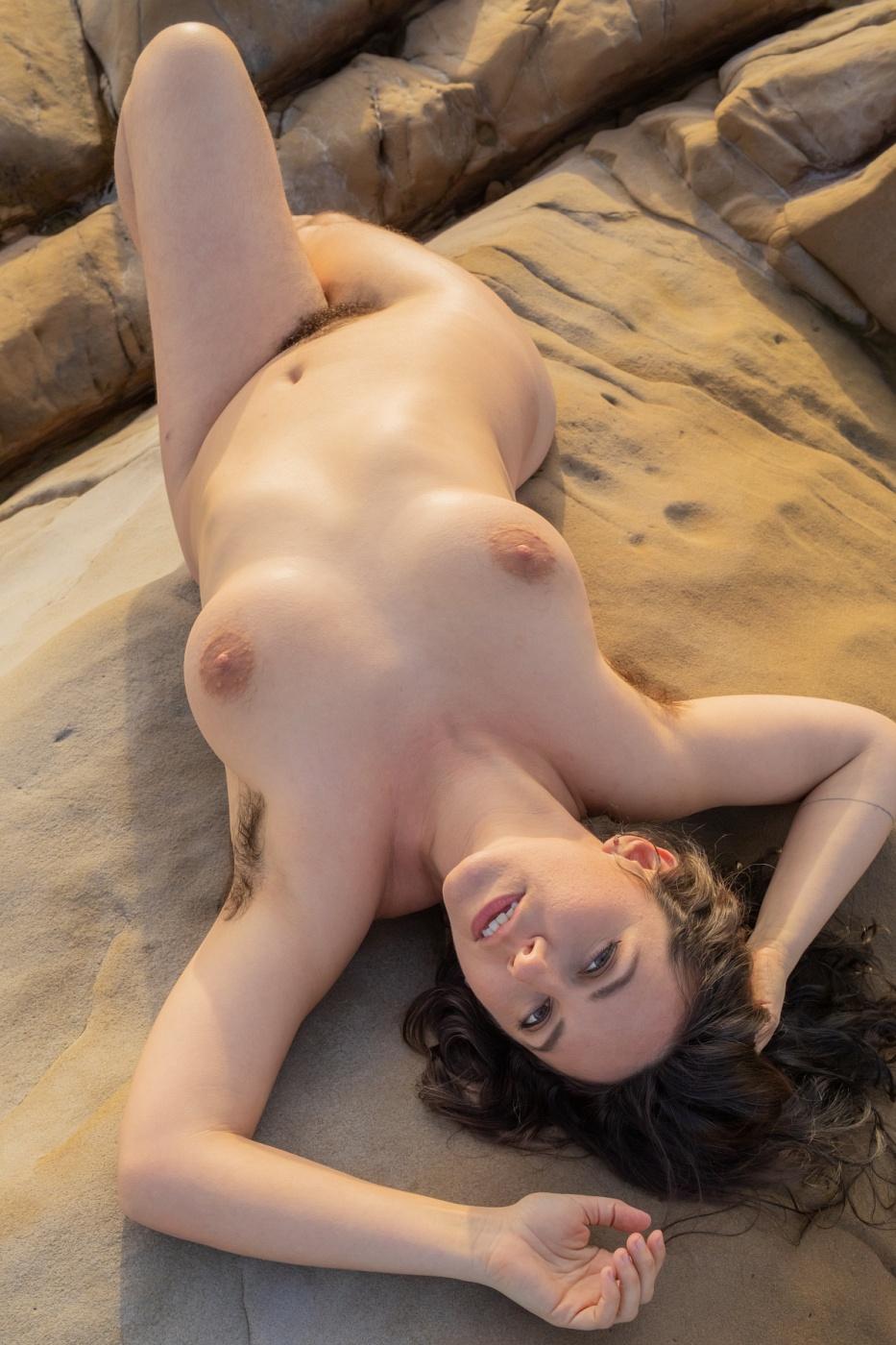 Hairy Nikki Silver