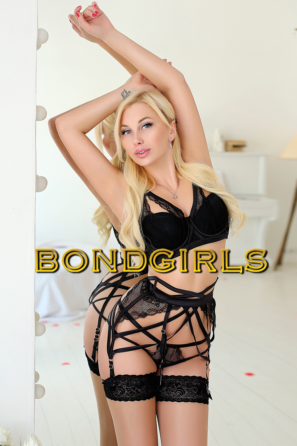 Blonde Female Escorts 89