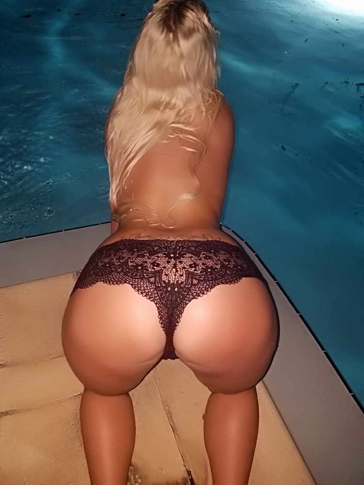 Nina Bella