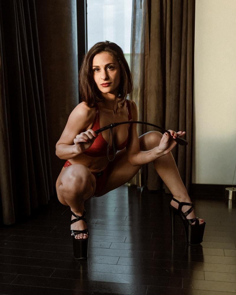 Miss Natalia Hale