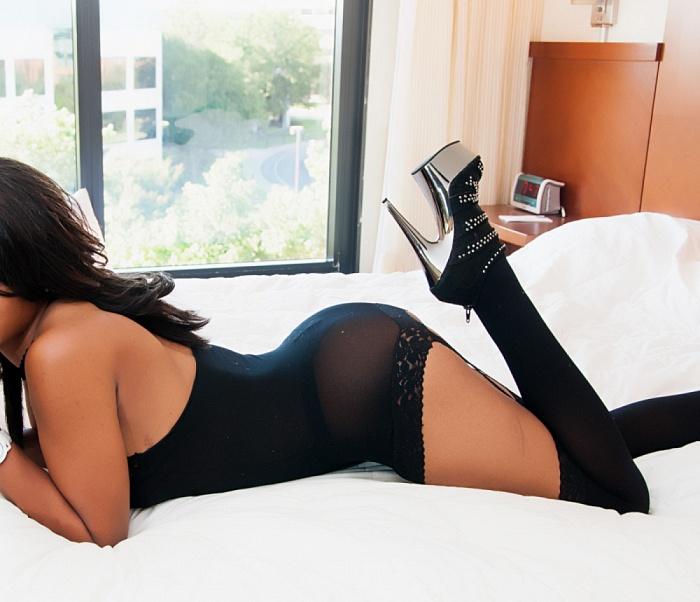 Rihanna Benz