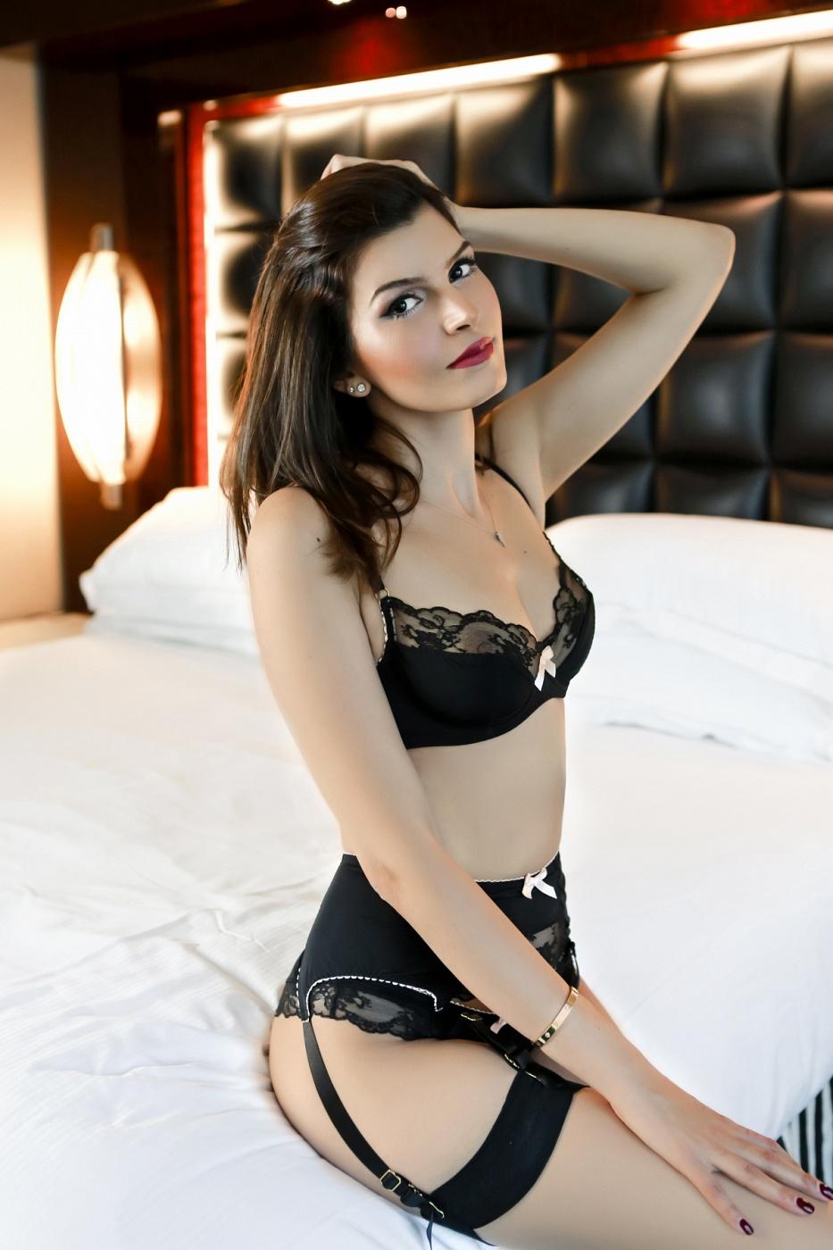 Ella Celine