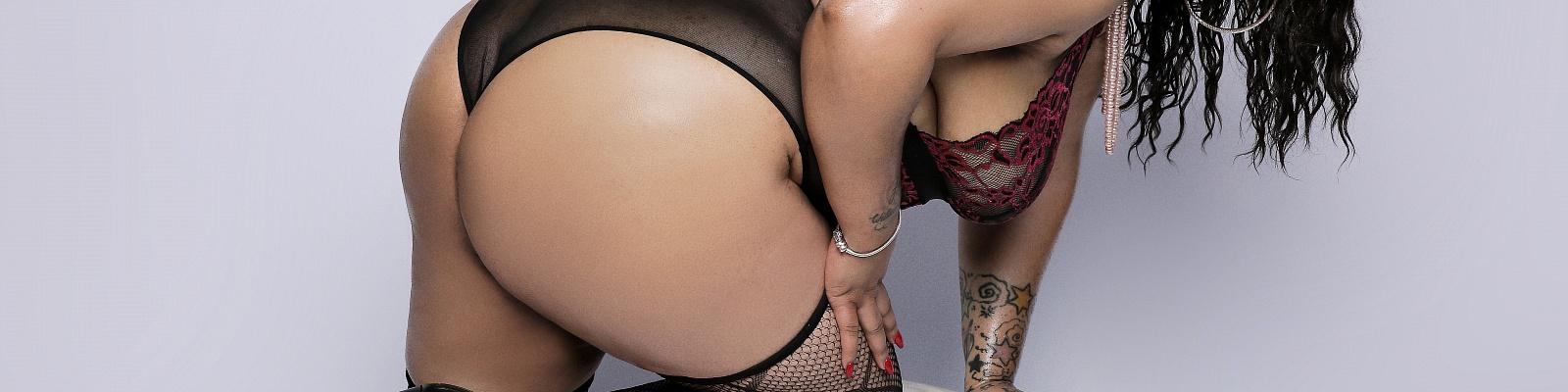 Isabella Fontez's Cover Photo