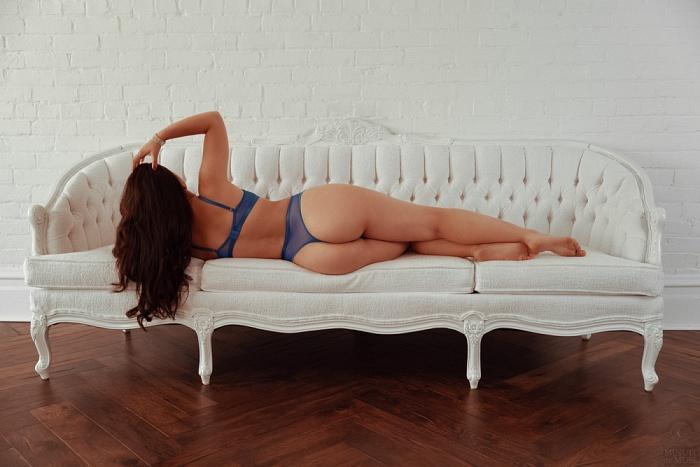 Isabella Divine