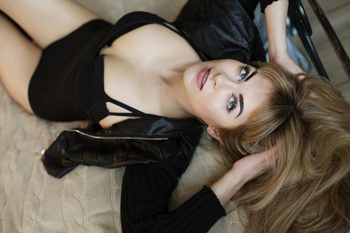 Alvina Avis