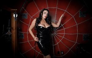 Mistress Valerie Marvelle