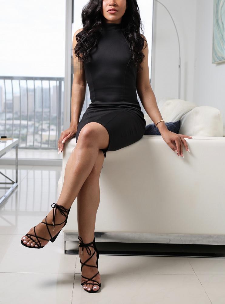 Zara LeClaire Island Girl