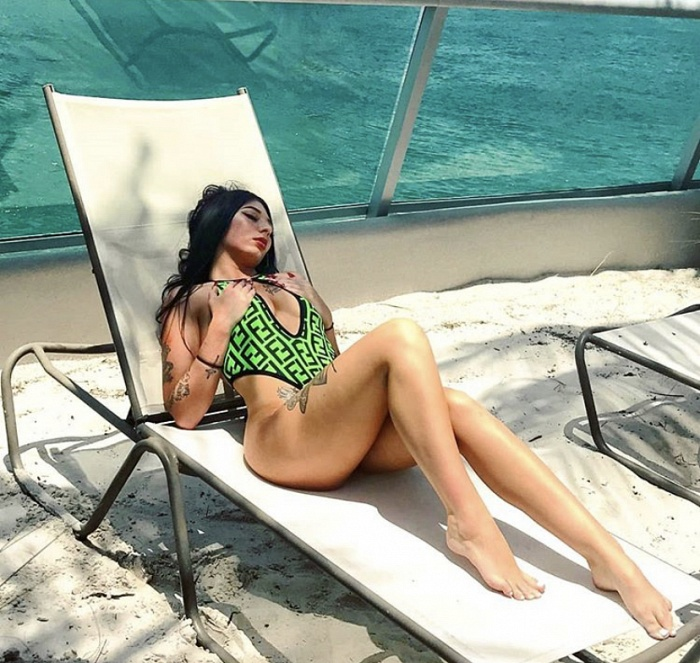Sexy Star Selina