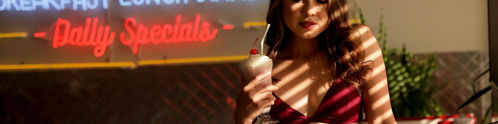 Angelina Dalio's Cover Photo
