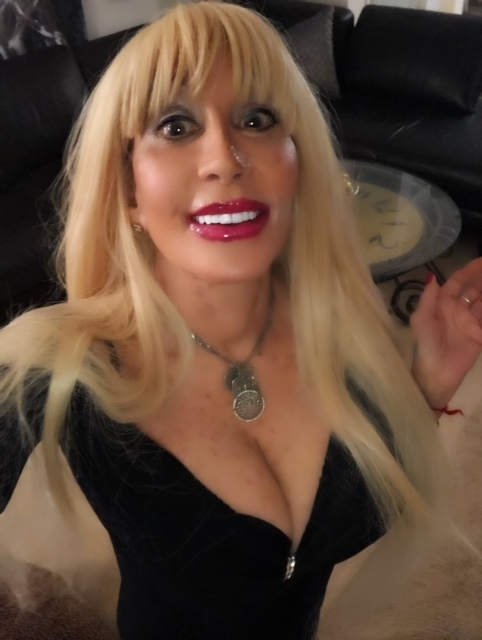 Daniella Devine, A Blond Goddess